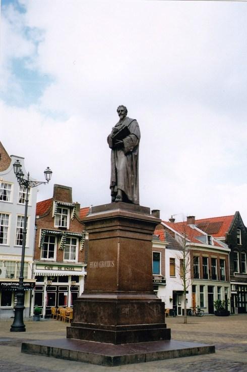 poze Olanda, statuie Hugo Grotius