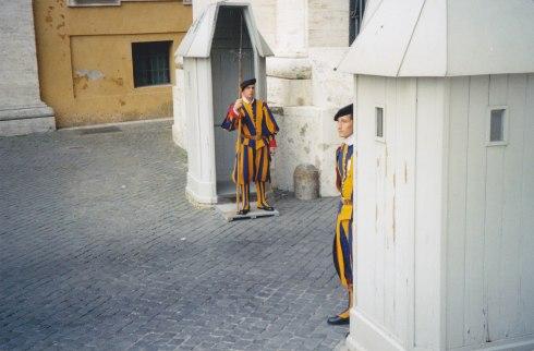 Celebra Gardă Elvețiană Pontificală de la Vatican