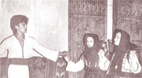 teatru-folcloric-spectsezatoarea2