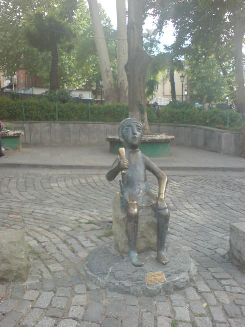 Statuie veche. Georgia