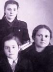 bunica, mama și tanti Dora 4