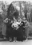 Mama, la nunta unor colegi din studenție.